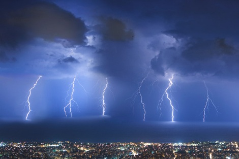 thunderstorm_over_beirut_by_akhater.jpg